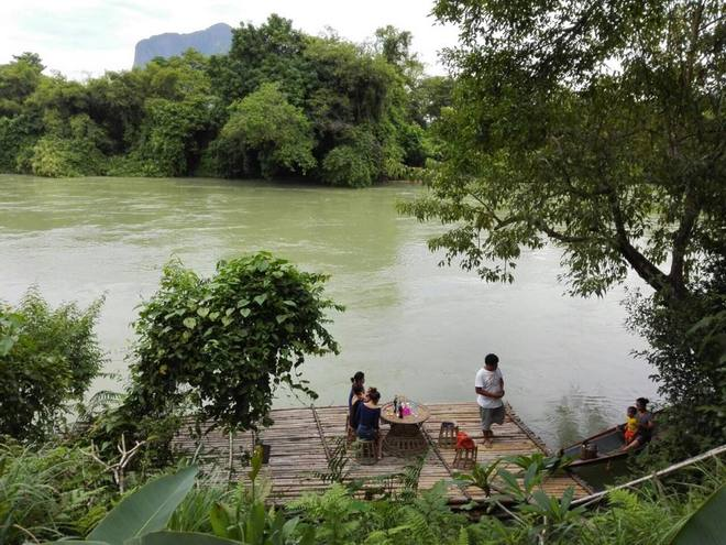 1-laos-lifestyle-poker