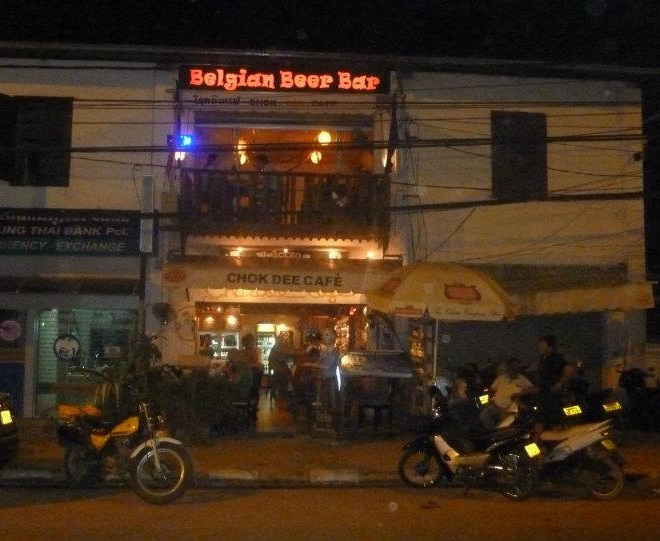12-vientiane-chok-dee-cafe-belgian-beer-bar